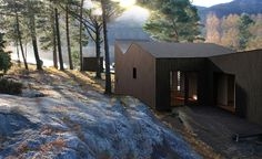Lutsi, retret by a lake. In Rogaland. Architect: Reiulf Ramstad Arkitekter.