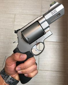 In case you get mugged by a grizzly! Ninja Weapons, Weapons Guns, Guns And Ammo, Smith And Wesson Revolvers, Smith Wesson, Revolver Pistol, Tactical Revolver, Armas Ninja, Custom Guns