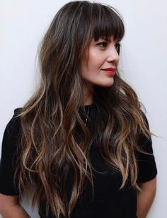 Long Hair With Eyebrow-Skimming Bangs The post 50 Cute and Effortless Long Layered Haircuts with Bangs appeared first on Frisuren. Layered Haircuts With Bangs, Curly Hair With Bangs, Long Wavy Hair, Long Hair Cuts, Curly Hair Styles, Thick Bangs, Long Hair With Bangs And Layers, Long Hair Fringe, Long Straight Hairstyles