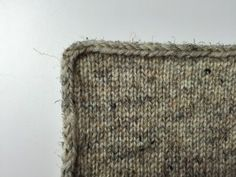 This is the edging I was working on in the tutorial. Isn't it a b beautiful way to finish all the edges?