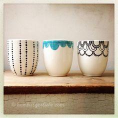 mug art Hamburger Liebe Pottery Painting, Ceramic Painting, Diy Painting, Pottery Art, Ceramic Art, Porcelain Painting Ideas, Diy Becher, Cactus E Suculentas, Porcelain Pens