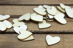 Καρδιές Ξύλινες 50τεμ WI9499  Ξύλινες καρδιές από φυσικό ξύλο.Μέγεθος: 20mm Η συσκευασία περιέχει 50 τεμάχια.