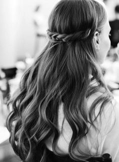 Backstage at the FW17 Bridal Presentation. Thank you @moroccanoil and @hairbykh for the gorgeous looks at the #fw17marchesabridal presentation!! Your partnership means the world. Photo by @the_lane.