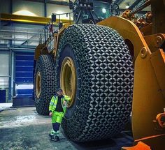 Compare the scales... That's really wonderful  #mech_home #machinery #vehicles #design #mechanics #mechanism #mechanical #engineering #hot #awesome #Amazing #wonderful #like #follow #big #giant #large #huge #monster #love #technology