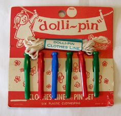 Dolli Pin Toy Doll Clothesline and Pin Set Vintage orig card