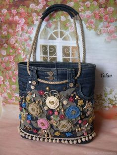 Jean Purses, Purses And Bags, Diy Sac, Denim Purse, Denim Bags From Jeans, Denim Crafts, Recycle Jeans, Love Jeans, Craft Bags