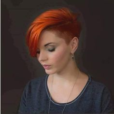 I love this red hair color and undercut. A classy edgy hairstyle for women. Pixie Hairstyles, Pretty Hairstyles, Pixie Haircuts, Curly Hair Styles, Natural Hair Styles, Short Hair Undercut, Haircut And Color, Short Hair Cuts For Women, Shaved Hair