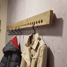 Chic wardrobe for the hallway and entrance area made of Sylter Stegholz - Schicke Garderobe für den Flur und Eingangsbereich aus Sylter Diy Wood Projects, Wood Crafts, Woodworking Projects, Diy Home Crafts, Diy Home Decor, Dressing Room Design, Handmade Kitchens, Hallway Decorating, New Furniture