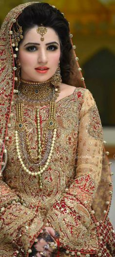 Most current Pictures Bridal Dresses asian Strategies Whether you are daydreaming of wedding ceremony dress due to the fact that you were 5 and also have Pakistan Bride, Pakistan Wedding, Bridal Looks, Bridal Style, Bridal Makeover, Ceremony Dresses, Wedding Ceremony, Desi Bride, Pakistani Wedding Dresses