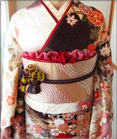 お振袖の帯結び&帯締め・帯揚げアレンジ〈同志会25年度編〉 | 素敵大好き♪美輝美容室 Kimono, Costumes, Traditional Japanese, Blog, Yahoo, Dresses, Fashion, Geishas, Vestidos