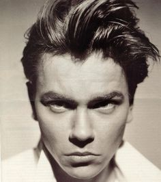 Pretty Face Can't Hide An Evil Mind, nickdrake: River Phoenix - The best River Phoenix Images, Pictures, Photos, Icons and Wallpapers on RavePad! River Phoenix, Phoenix Hair, Dark Phoenix, Gorgeous Men, Beautiful People, Beautiful Boys, Beautiful Things, Dark Blood, Star Wars