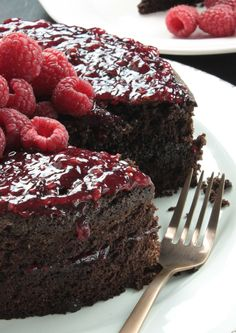 Gluten-free and lactose-free chocolate cake with raspberries - Foodless - Gluten-free and lactose-free chocolate cake with raspberries – Foodless - Gluten Free Donuts, Gluten Free Pumpkin, Gluten Free Cakes, Gluten Free Desserts, No Bake Desserts, Healthy Dessert Recipes, Health Desserts, Baking Recipes, Cake Recipes