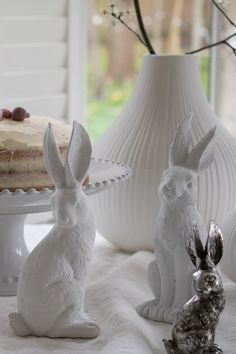 Easter table decorations to add a cute yet elegant touch to your Easter table. From these lovely Easter Rabbits to our bud vases and Pearl cake stand, we've got all you need to create a stylish Easter Tablescape. So head on over to the website to view the full collection. #Easter #Eastertable #easterdecorations