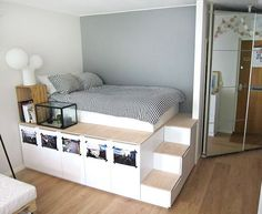 Next Post Previous Post 8 DIY Storage Beds to Add Extra Space and Organization to Your Home DIY-Lagerbetten, um Ihrem. Diy Storage Bed, Under Bed Storage, Storage Hacks, Bedroom Storage Ideas For Small Spaces, Bedroom Storage Solutions, Underbed Storage Ideas, Decor For Small Bedroom, Small Bed Room Ideas, Small Space Furniture