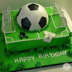 Football Birthday Cake, Soccer Birthday Parties, Boys 1st Birthday Party Ideas, Baby Boy Birthday, Birthday Cake Girls, Soccer Ball Cake, Soccer Cakes, Easter Bunny Fruit, Cake Original