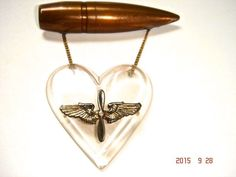 ANTIQUE WWII U.S. AIR FORCE  (AIR CORPS) SWEETHEART LUCITE HEART PIN