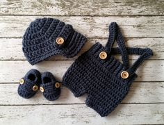 Oliver Newsboy Cap with Crochet Baby Shorts/Pants and Matching Booties in Denim Blue Avaialbe in NewOliver Newsboy Cap with Crochet Baby Shorts/Pants with Suspenders in Stonewash Available in Newborn to 12 Month Size- MADE TO ORDERnewborn Beanies, ba Crochet Newsboy Hat, Crochet Baby Boy Hat, Crochet Hats For Boys, Crochet Bebe, Crochet Baby Clothes, Newborn Crochet, Baby Knitting, Newsboy Cap, Baby Boy Beanies