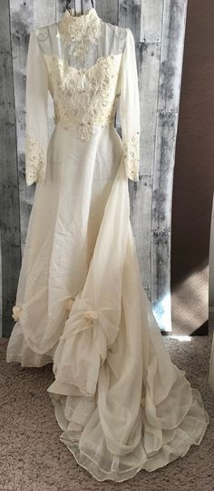 Vintage Beaded Soutache Lace Wedding Bridal Gown Dress Rosettes Ivory Size Small #Unbranded #Bridal