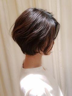 【VIRGO】40代50代 前髪なしのゆるふわパーマの大人ショートボブ - 24時間いつでもWEB予約OK!ヘアスタイル10万点以上掲載!お気に入りの髪型、人気のヘアスタイルを探すならKirei Style[キレイスタイル]で。