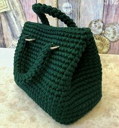 Diy Crafts - artesanato,croche-This account has been removed due to inappropriate use of this service. Diy Crochet Bag, Crotchet Bags, Chunky Crochet, Crochet Purses, Knitted Bags, Bead Crochet, Crochet Stitch, Bobble Stitch, Diy Crafts Knitting