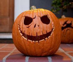 50 Idées Originales pour Décorer ta Citrouille de Halloween !