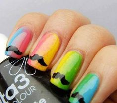 MOSTACHO EN UÑAS COLOR ARCOIRIS