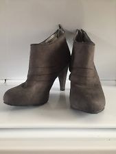 Mossimo Grey Ankle Boot Heels Women's Size 8.5 Preowned