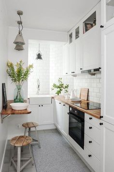 If you are looking for Apartment Kitchen Design Ideas, You come to the right place. Below are the Apartment Kitchen Design Ideas. This post about Apartment Kitchen Design Ideas was posted under the Ki. Home Kitchens, Kitchen Design Small, Kitchen Remodel Small, Kitchen Design, Kitchen Inspirations, Small Space Kitchen, Modern Kitchen, Kitchen Space, Kitchen Interior