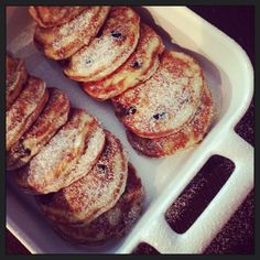 Amerikkalaiset pannukakut | Jälkiruuat | Soppa365 Waffles, Pancakes, Dessert Recipes, Desserts, Eating Well, Sweet Recipes, Sweet Tooth, French Toast, Food And Drink