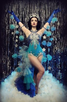 Queen of British Burlesque Eliza DeLite