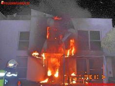BF Wien: Flammenüberschlag ins 1. Obergeschoß #fire #housefire #firefighter #burn #burning #feuerwehr