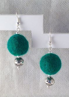 Items similar to Green Felted Ball Earrings on Etsy Textile Jewelry, Fabric Jewelry, Beaded Jewelry, Handmade Jewelry, Jewellery, Knitted Necklace, Felt Necklace, Wire Jewelry Designs, Jewelry Crafts