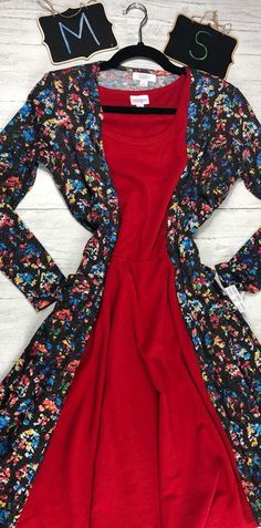 ATTENTION ALL BLONDES! If you are blonde-haired and fair-skinned, this outfit will be GORGEOUS on you! Reds are beautiful on blondes! This LulaRoe outfit is the perfect holiday ensemble! Plus, it will keep you warm in these colder fall and winter months. Wear this LulaRoe outfit to a Christmas Party, or to a Thanksgiving Shin-dig! To claim, visit www.bobbiesdreamers.com and join our Facebook VIP shopping group. This outfit was completed with a red LulaRoe Nicole dress and a floral LulaRoe…