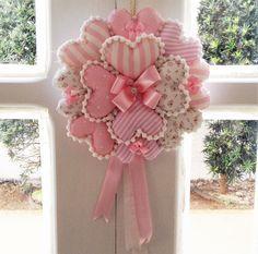 Art Ideas by Dezdemon Valentine Wreath, Valentine Decorations, Valentine Crafts, Valentines, Felt Wreath, Fabric Wreath, Fabric Hearts, Fabric Flowers, Pink Fabric