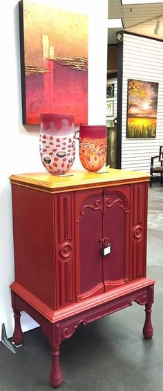 A happy accident ! I just love it when things just fall together organically. I finished this cabinet with Barcelona, Emp Silk and Burgundy, just in time for our last studio event. Heather (my daughter/partner at our Wood Icing/Heather Haymart Gallery) finished this painting using Wood Icing®️️ product.  We had no idea we were creating these pieces simultaneously. http://www.woodicingheatherhaymart.com/browse-our-products.html