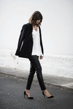 By Natasha Alexandrou Skinny jeans are quickly becoming as timeless as a white shirt or a little black dress. They pair with just about anything,and are suitable for almost any occasion,...