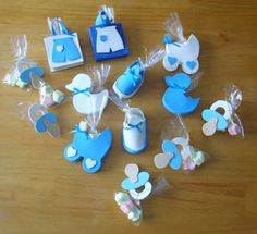 40 ideas for crochet baby shower favors signs Baby Favors, Baby Shower Favors, Baby Shower Decorations, Baby Shower Gifts, Foam Crafts, Baby Crafts, Diy And Crafts, Dibujos Baby Shower, Distintivos Baby Shower