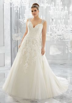 4bdd5116c00 170 Best Plus Size Wedding Dresses images in 2019