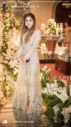 Walima Dress, Shadi Dresses, Pakistani Formal Dresses, Pakistani Fashion Casual, Pakistani Wedding Outfits, Indian Gowns Dresses, Pakistani Dress Design, Pakistani Couture, Wedding Dresses For Girls