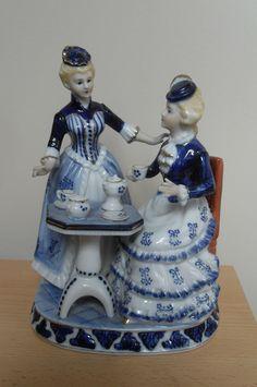CONTINENTAL BLUE & WHITE PORCELAIN - TWO LADIES HAVING TEA - EXCELLENT