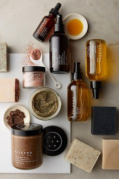 flatlay, photo styling, prop shoot, product photos, website photography You think it is necessary to make use of expensive skin … Skincare Packaging, Cosmetic Packaging, Beauty Packaging, Packaging Design, Packaging Ideas, Organic Packaging, Product Packaging, Brand Packaging, Hair And Beauty