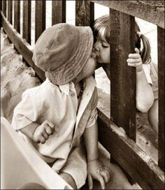Find images and videos about love, kiss and kids on We Heart It - the app to get lost in what you love. Cool Baby, Baby Kind, Kids In Love, Cute Kids, Cute Babies, Love Kiss, Kiss Me, Perfect Kiss, Precious Children