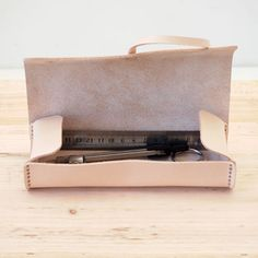 how i love this design! leather pencil case