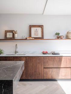 Home Decor Kitchen .Home Decor Kitchen Home Decor Kitchen, Kitchen Interior, New Kitchen, Home Kitchens, Quirky Kitchen, Interior Office, Walnut Kitchen Cabinets, Kitchen Cabinet Door Styles, Hickory Kitchen