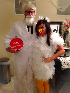 DIY Halloween Costumes for Couples - Colonel Sanders And Chicken - Funny, Creative and Scary Ideas for Parties, College Party - Unique and Cute Project Idea for Disney Characters, Superhero, Movie Themes, Bonnie and Clyde, Homemade Costume Projects for Boyfriends - Quick Last Minutes Halloween Costume Ideas from Pinterest #halloween #halloweencostumes Funny Couple Halloween Costumes, Diy Couples Costumes, Creative Halloween Costumes, Cute Costumes, Funny Halloween Costumes, Halloween Couples, Costume Ideas, Family Halloween, Original Halloween Costumes