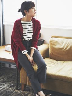 Discover the new selection of Women's Extra Fine Merino Jumpers and Cardigans at UNIQLO online. Select from a variety of styles and colours to suit your style. Look Fashion, Korean Fashion, Fashion Outfits, Fashion Goth, Men Cardigan, Uniqlo Women Outfit, Uniqlo Style, Geek Underwear, Stripes