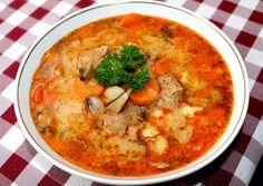 Bakonyi betyárleves   Alajuli receptje - Cookpad receptek Hungarian Cuisine, Hungarian Recipes, Hungarian Food, Soup Recipes, Cooking Recipes, Kinds Of Soup, Veggie Soup, Tasty, Yummy Food