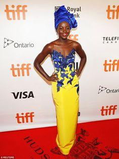 Con un amarillo impactante llegó Lupita Nyong'o al Festival de cine de Toronto