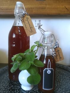 Cocktails, Drinks, Herbalism, Food And Drink, Handmade Gifts, Hot Sauce Bottles, Bottles, Syrup, Projects
