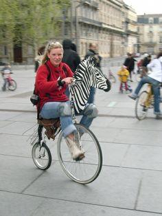 Vélo géant ... Parc à vélos